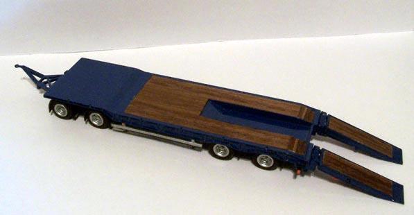 MB Actros met Nooteboom aanhangwagen (NZG)